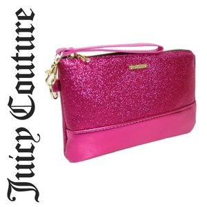▪️Juicy Couture Wristlet Top Zip Charging Bag